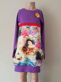 Voor: Oriental mix, jurkje van tricot.  Artikelcode 110/116-044. Prijs 32,95 excl. verzendkosten.