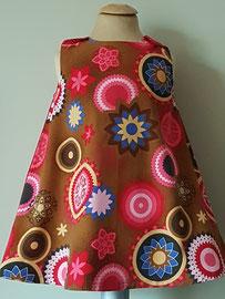 Voor: So cute jurkje met van fijn ribstof. Artikelcode 86-081. Prijs 32,95 excl. verzendkosten.