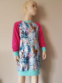 Voor: Wintertime, sweaterdress van tricot. Artikelcode 116-019. Prijs 38,95 excl. verzendkosten.