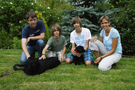Arielle (Kara) mit Familie Reuer