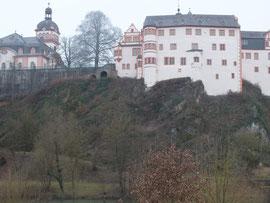 Schloss (von der Lahn aus gesehen)