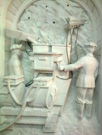 Труд шахтеров в скульптуре.