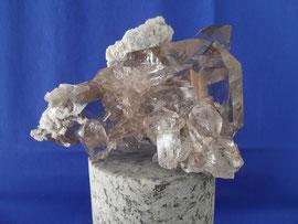 Bergkristall wie Glas mit wenig Muttergestein, 11cm