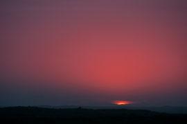 Sonnenuntergang der in Sonnenaufgang übergeht
