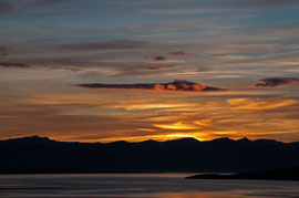 Sonnenuntergang am  Fjord Eyjafjörður