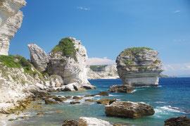 Die Kreidefelsen am Fuß von Bonifacio