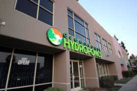 Exterior of Van Nuys location for Green Coast Hydroponics.