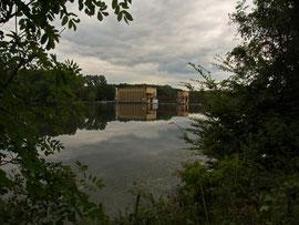 Das Laufwasserkraftwerk am Seeende