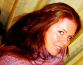 Portätfoto: Stefanie Diamant: Lomi Lomi Nui Masseurin und Kristallklangschalenspielerin