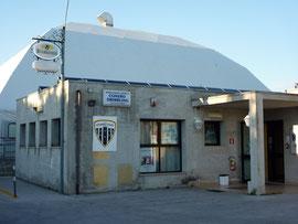 Esterno impianto - in primo piano bar e servizi