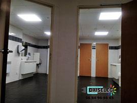 Eclairage Sanitaire par dalle LED sur détecteur de mouvement-Port-St-Louis-du-Rhône-
