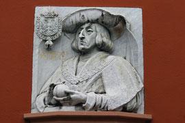 Relief des Erasmus von Rotterdam am Haus zum Walfisch