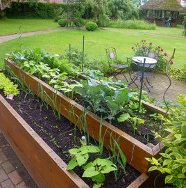 Hochbeet im Garten