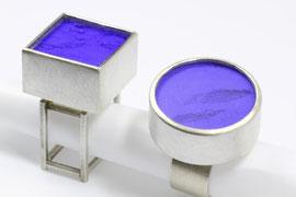 """""""Pulverringe""""      Silber, Farbpigment, Bergkristallscheibe"""