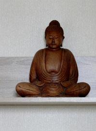 """© Constanze Schöttler    """"Die Schwester des Glücks ist das Leid. Wer es verleugnet, verdrängt oder betäubt, der betäubt sein Glück. Nur wer lernt, dass auch Leid zum Leben gehört, wird wirklich glücklich."""" Dalai Lama"""