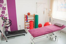 Behandlungsraum 8 mit Krankengymnastik