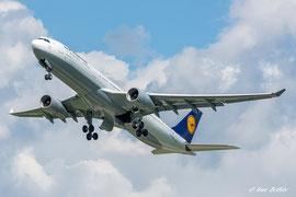 Airbus A330-300 - Lufthansa
