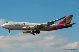 Boeing 747-400 - Asiana Airlines