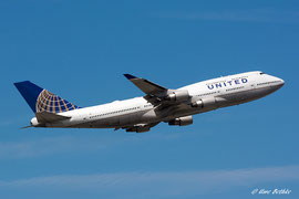 Boeing 747-400 - United Airlines