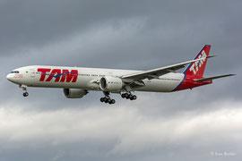 Boeing 777-300 - TAM