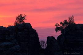 nach Sonnenuntergang über den Schrammsteinen
