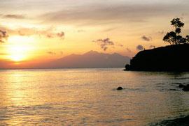 Foto entstanden bei Sonnenaufgang auf Bali 1997 in Ahmed, Norden von Bali