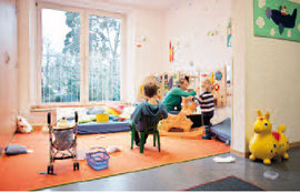 Freundlich eingerichtet Räume laden zum Spielen und Lernen ein