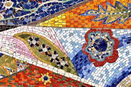 (particolare) La bilancia, il simbolo e gli elementi, 2009, mosaico in vetro e pietre naturali, 500 x 180 cm (IBSA, Noranco - CH)