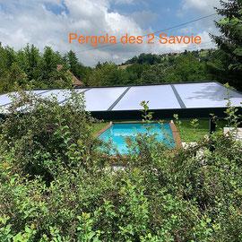 Adossée ou autoportée, la pergola sur mesure est un véritbale espace de vie extérieur. Qualité/prix imbattable, profitez de votre terrasse toute l'année.