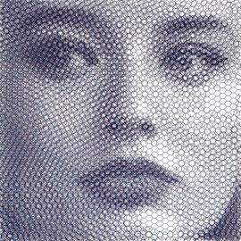 Elsa movimento 2, 2019, 80x80cm, dieci fogli di rete metallica intagliati a mano