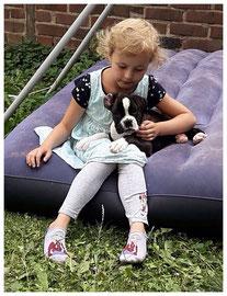 Bonnie mit Ihrer neuen Spielgefährtin Laila