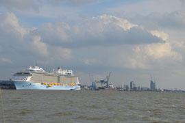 Der neueste Kreuzfahrtriese der Meyer-Werft
