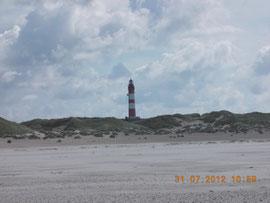 Blick vom Wasser auf den Leuchtturm
