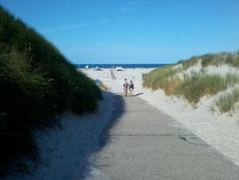 der Übergang am Strandhäuschen