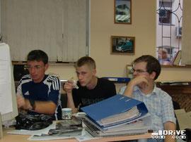 Юрий Петров - так же консультант проекта, Николай Марков и Денис Дементьев за очередным обсуждением верстки