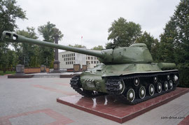 Тяжелый танк ИС-2, пожалуй, занимает второе место среди экспонатов музеев по частоте показа