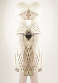 DANIELA KARLINGER // ORGANIC SHAPE / 3