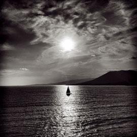 Le bateau et le soleil, Medaille de bronze FIAP  Salon Good light Serbie edition limitée 2/20