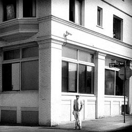 Noir et blanc argentique Leica M6 Californie, no man's land  Selection Meet the artist , street photo.