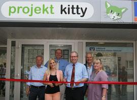 Eröffnung des Tierschutzbüros durch Manfred Müller und Sandy Mölling (no angels)