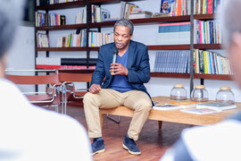 Talk, Salon litteraire, avec Simon Njami
