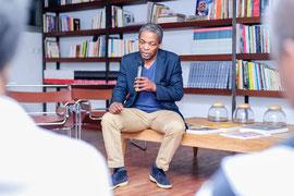 Talk, Salon litteraire, avec Simon Njami