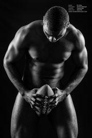 Nu masculin, model africain (Eric Akoa) recherche esthétique par Zacharie Ngnogue