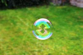Eine Seifenblase auf Reisen