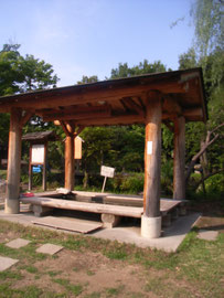 戸倉上山田温泉の足湯。飲泉もできます。こんな無料スポットが2か所。