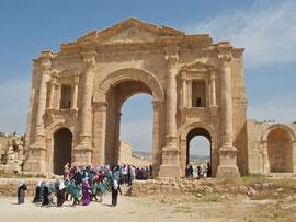 Jordan, Jerash: Hadrian's Arch