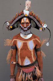 PNG, Southern Highlands, Huli tribe: a man named from the HuliyaIaluba