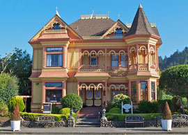 California, Ferndale: the Gingerbread Mansion (B&B)