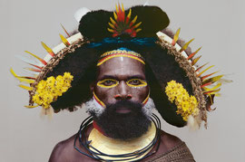 PNG, Southern Highlands, Huli tribe: a man named Pulupe from Kikita village