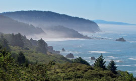 California, Redwood State Park south of Crescent City: coastline and Sister Rocks
